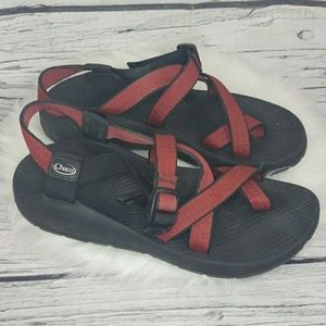 Chaco Vibram strappy buckle sandals size 8